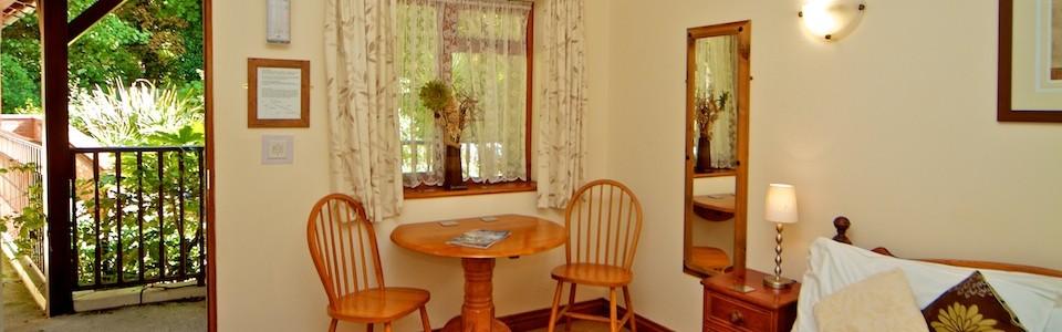 Riverhouse-Home-Slide-Room
